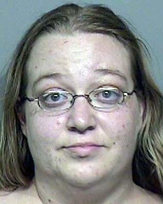 Tracy M. Hood-Davis una de las acusadas
