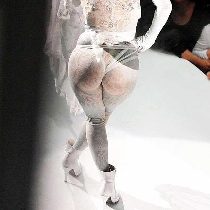 Lady Gaga, un modelo algo erótico 1