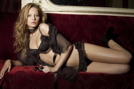 Les Jupons de Tess, lencería muy sensual 1
