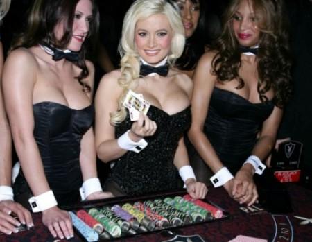Sesión de póker en la mansión Playboy 1