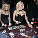 Sesión de póker en la mansión Playboy 4