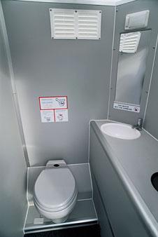 Sexo en lugares raros: el baño del avión 1
