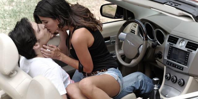 Sexo seguro en el coche en el Love parking 1