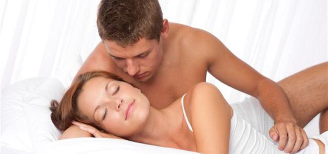 Las mejores posturas para practicar sexo anal 1