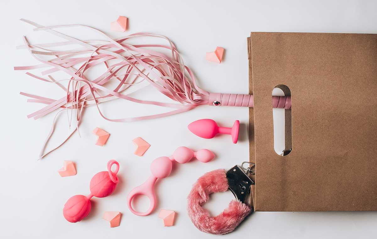 ¿Qué accesorios eróticos puedes incluir en tu maleta de mano? 1